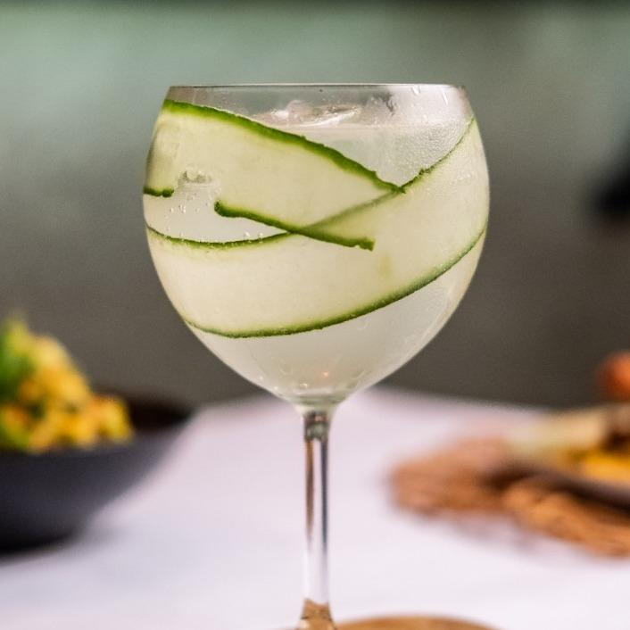 Happy Hour at Pidari Lounge