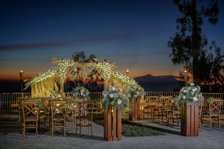 Above The Cloud Wedding Package