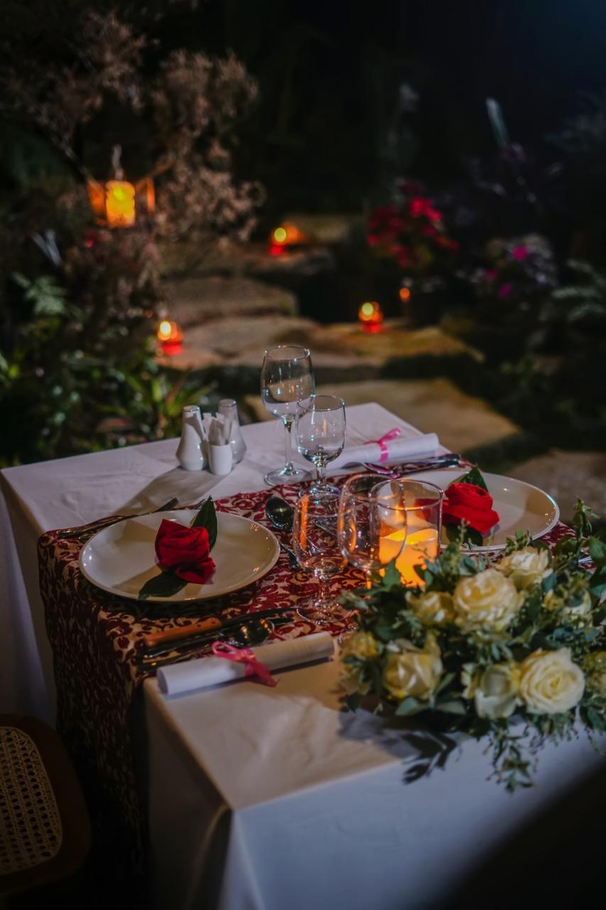 Garden Romantic Dinner
